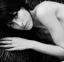 field of skin & grass. Un proyecto de Fotografía de Angharad Segura - Jueves, 03 de febrero de 2011 09:58:48 +0100
