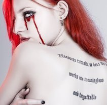 Sweet Blood. A Photograph project by Natalia Mora Domingo         - 02.08.2012