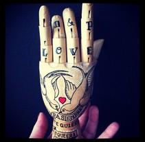 Wood Hand. Un proyecto de Diseño, Ilustración y Fotografía de Paula  Maia Carro         - 04.03.2013