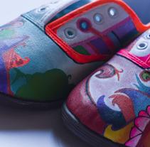 Zapatillas en flor. A Design&Illustration project by Fernando López Tarodo - 04-04-2013