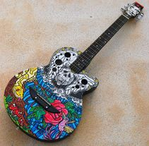 Acoustic Guitar Custom (hand painted) POSCA coloured.. A Illustration project by Miguel Bueno Herrero - 16-12-2013