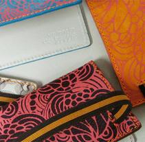 Carteras / Valentín del Barrio. Un proyecto de Diseño, Diseño de complementos, Diseño de producto, Diseño gráfico, Moda y Serigrafía de Bevero  - Jueves, 23 de diciembre de 2010 00:00:00 +0100
