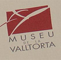 Material gráfico + identidad corporativa Museo de la Valltorta. Un proyecto de Br, ing e Identidad, Gestión del diseño, Diseño editorial, Diseño gráfico y Packaging de Juan Diego Bañón Muñoz - 29-02-2004