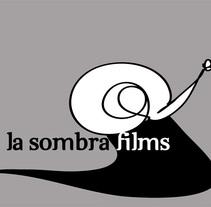 Logotipo para productora audiovisual. Um projeto de Design gráfico de Almudena Cardeñoso         - 04.05.2015