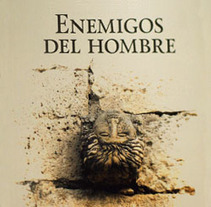 Enemigos del hombre. Um projeto de Design editorial e Design gráfico de Inma Lázaro         - 14.07.2015