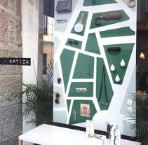 ESCAPARATES. Um projeto de Br, ing e Identidade e Design de interiores de Lara de la Mata Alda - 05-09-2015