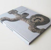 Zoé Ouvrier (artista) - libro/portafolio - Paris, 2012. Um projeto de Design editorial de Gabriel Lora         - 16.08.2012