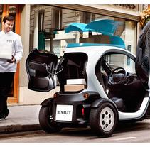 Renault Twizy Concept Series. Um projeto de Design, Instalações, 3D, Design de acessórios, Design de automóveis, Design gráfico, Design industrial e Design de produtos de Antonio Fernández Olombrada         - 26.02.2016