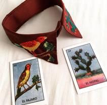 Mi Proyecto del curso: cuello y lotería mexicana. Este bordado está inspirado en las imágenes de la tradicional lotería mexicana: el pájaro y el nopal. Y también en las montañas de mi querida Bogotá.. A Crafts, and Fine Art project by alejafonse - Jul 13 2016 12:00 AM