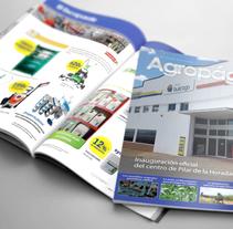 Revista. Um projeto de Publicidade e Design editorial de Merche Peco         - 13.05.2016