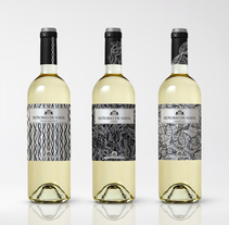Señorio de Nava - Packaging vino Blanco. A Design, Br, ing, Identit, and Packaging project by estudiodavinci  - Sep 20 2016 12:00 AM