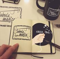 Diseño logotipo tienda de ropa (teatro). Un proyecto de Diseño gráfico de Sara Cabiedas Jiménez - 27-10-2016