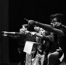 """Fotografía de teatro: """"El Rinocertonte"""". Um projeto de Fotografia de Laura Solano Bertrán         - 04.05.2014"""