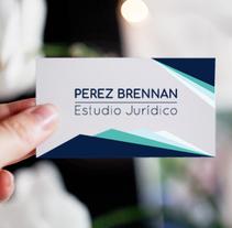 Diseño de logotipo y aplicación en tarjetas personales. Um projeto de Br e ing e Identidade de Maria Lucia Perez Brennan         - 01.08.2017